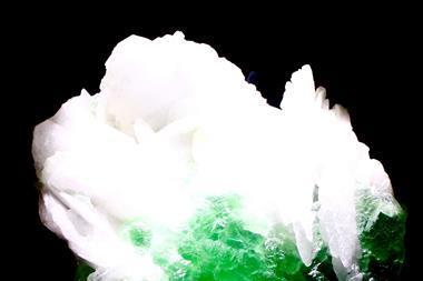 Florite crashing over barite